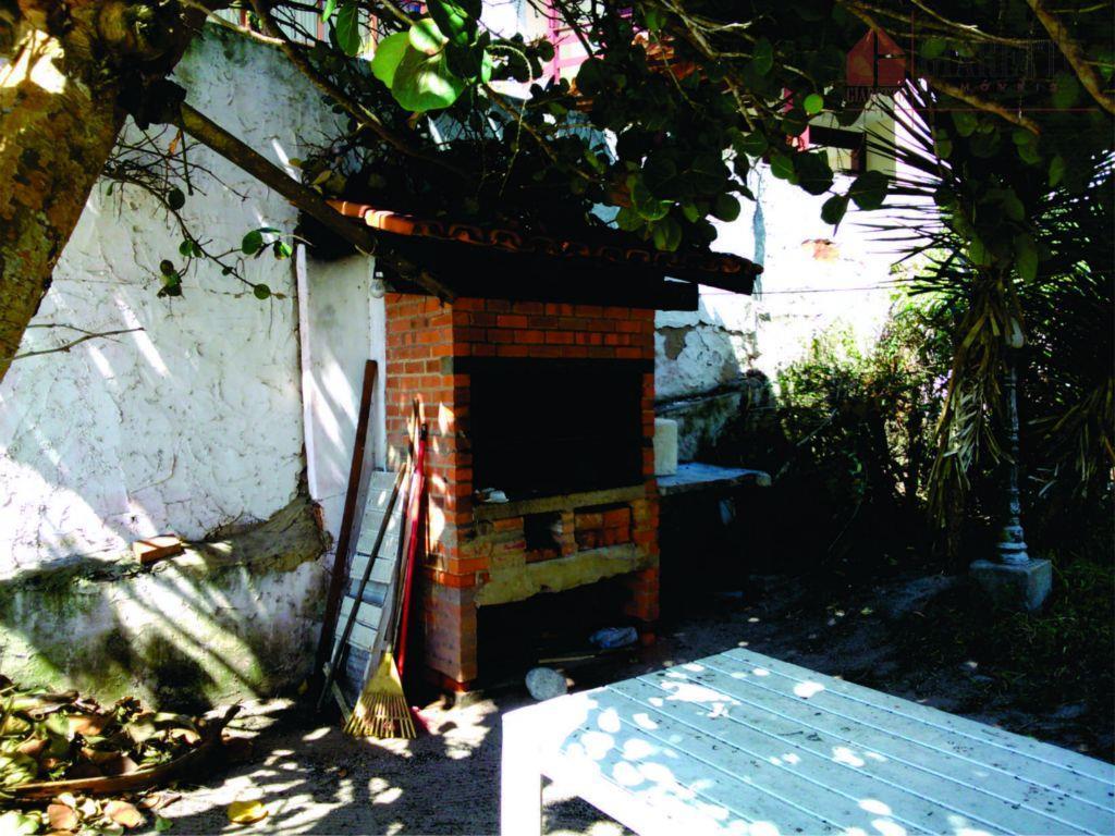 casa frente no pé da areia prainha. vista privilegiada. sala- bar- cozinha- banheiro- patio. 1 andar:...