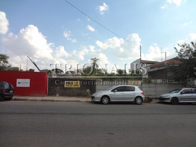 terreno bem localizado próximo a bancos e comercio.com ótimo fluxo de carros e pedestres.