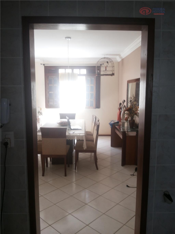 casa em ótima localização, composta de sala de tv, sala estar /jantar, cozinha, banheiro social, dependência...