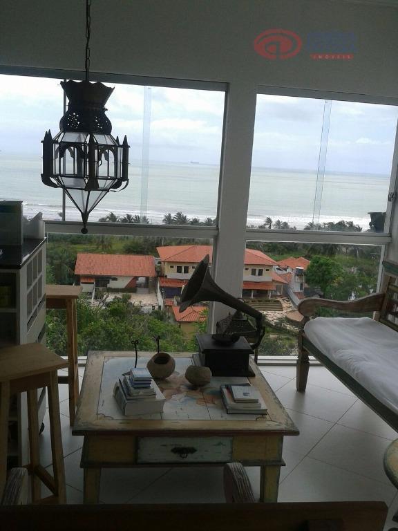 casa com vista totalmente voltada a praia do araçagi, composta de sala de estar e jantar,...