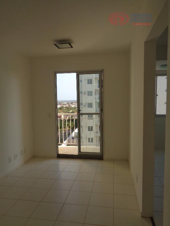 apartamento composto de sala de estar, um quarto, uma suíte, um banheiro social, cozinha com armários,...