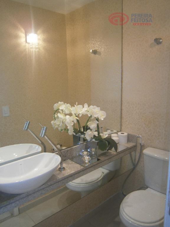 apartamento composto de sala de estar, sala de jantar, varanda, dois quartos, duas suítes com closet,...