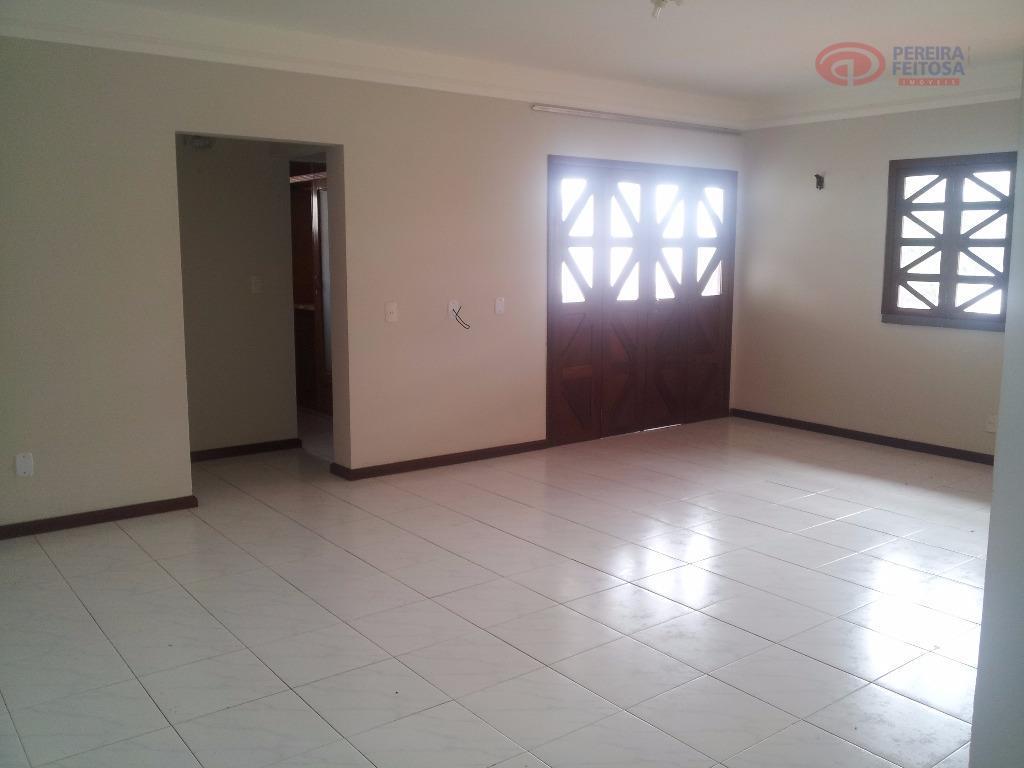 casa em dois pavimentos com 600m² de área construída composta de sala de estar/jantar, sala íntima,...