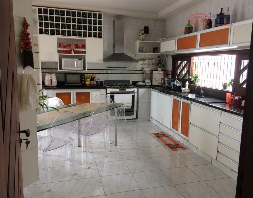 excelente casa de dois pavimentos, mobiliada, composta de sala de estar, sala de tv, lavabo, escritório,...