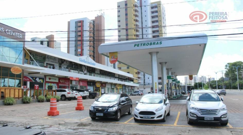 loja comercial em uma das regiões de maior movimento da cidade, com 50 m², composta de...