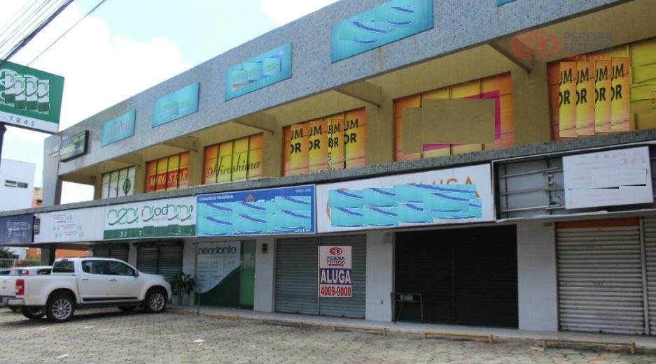 loja em localização privilegiada, composta de um banheiro, divisória e estacionamento rotativo.