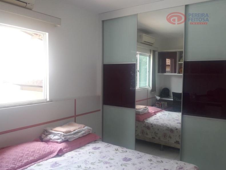 casa em condomínio fechado composta de dois pavimentos.térreo com sala em dois ambientes, escritório, lavabo, cozinha...