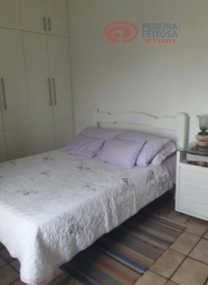 apartamento em localização privilegiada, composto de sacada, sala de estar/jantar, dois quartos, uma suíte, banheiro social,...