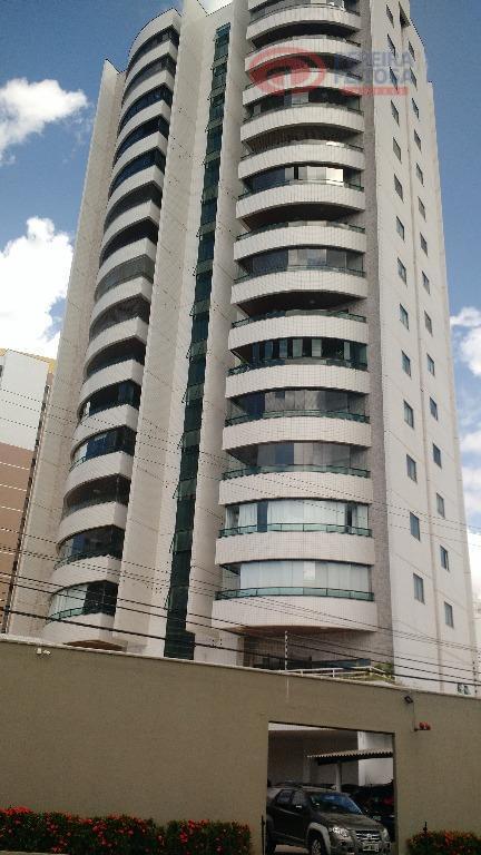Apartamento residencial à venda, Ponta do Farol, São Luís - AP1821.