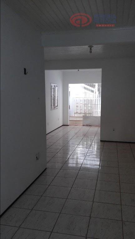 casa de conjunto toda reformada composta de terraço, sala ampla em l, sala de tv/som, um...