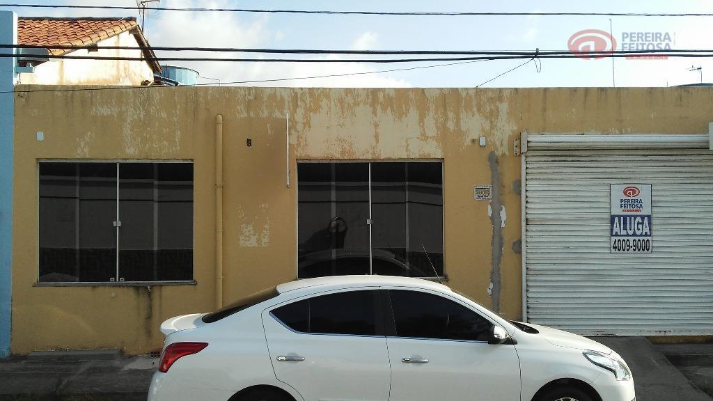 ponto comercial localizado próximo a avenida com estacionamento externo, todo no porcelanato, portas e janelas em...