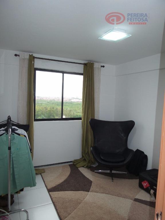 apartamento mobiliado composto de sala de estar/jantar, um quarto, uma suíte, banheiro social, cozinha, duas vagas...