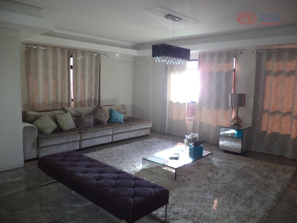 apartamento composto de sala de estar, sala de jantar, cozinha ampla, área de serviço completo, três...