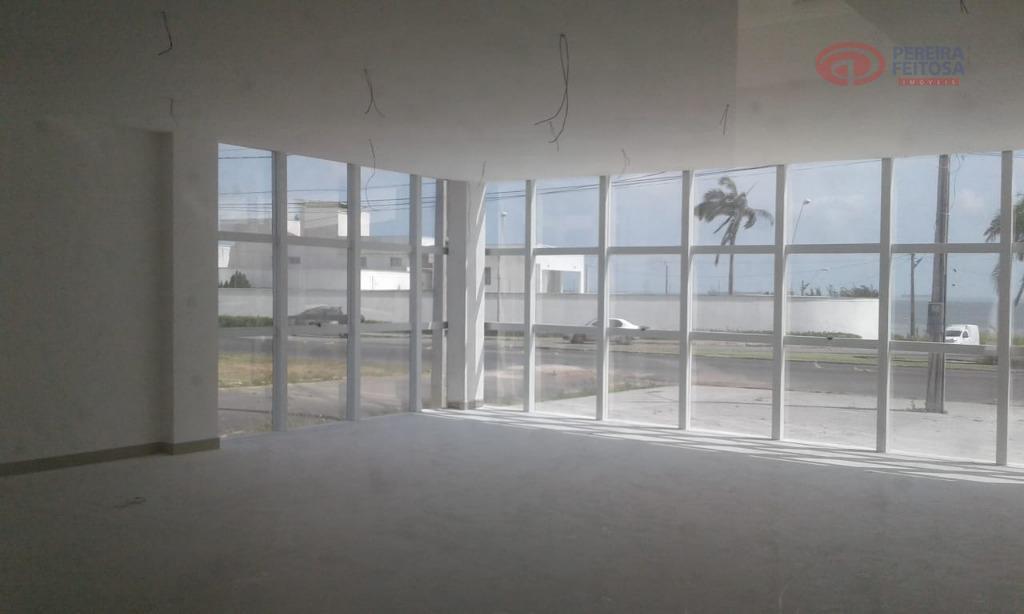 prédio localizado no calhau, próximo ao coco bambu, a dois minutos da praia, composto de recepção,...