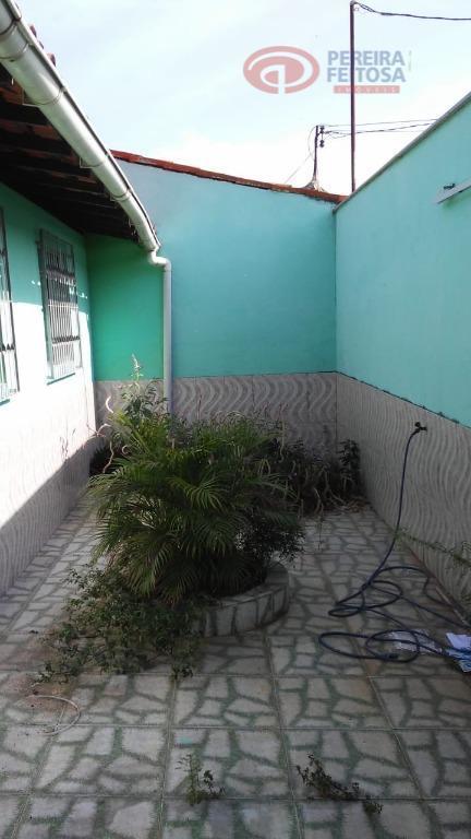 casa próxima ao shopping passeio, composta de terraço, sala de estar, sala de jantar, jardim de...
