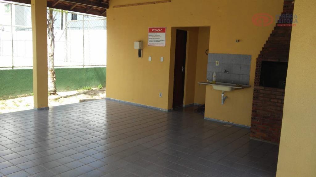 Apartamento com 2 dormitórios à venda por R$ 130.000