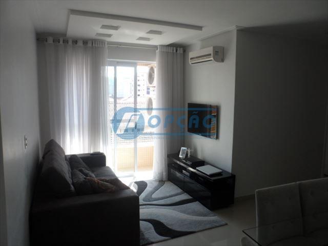 maravilhoso apartamento de 2 dormitórios, sendo 1 suíte, imóvel entregue há 3 anos. sala com porcelanato...
