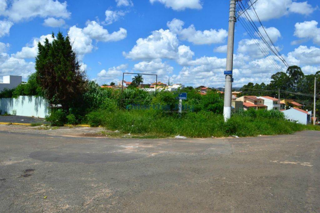 Terreno para comércio em Sousas