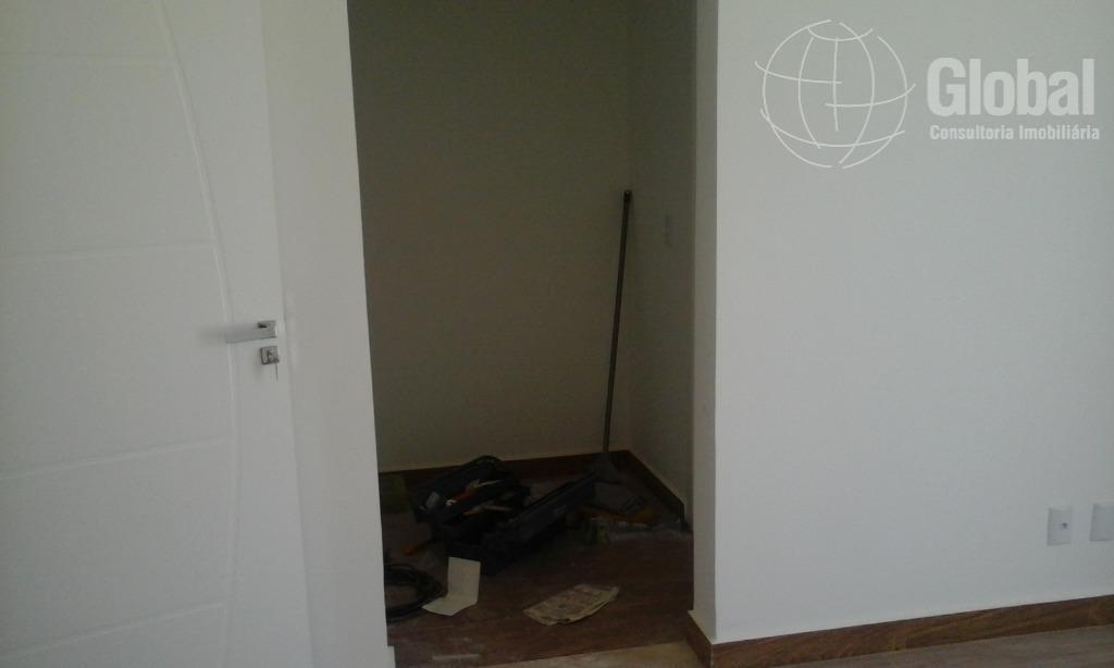 excelente sobrado, parte inferior, sala de estar, jantar e home theater integrado, cozinha planejada, quarto pequeno,...