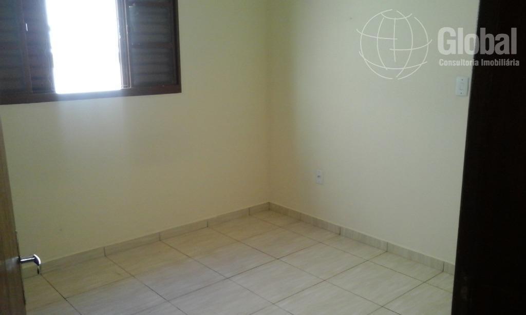 casa com 3 dormitórios, sendo 1 suíte, copa, cozinha, 2 banheiros, blindex, lavanderia, área de lazer...