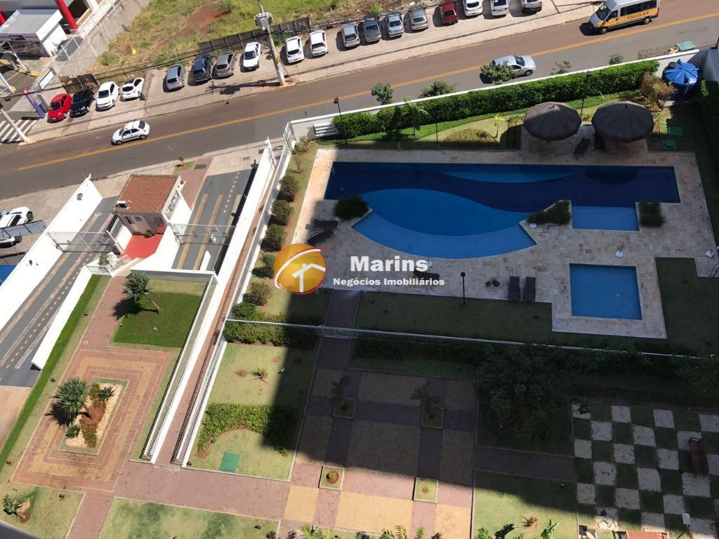 Apartamento com 3 dormitórios para alugar, 61 m² por R$ 2.100/mês