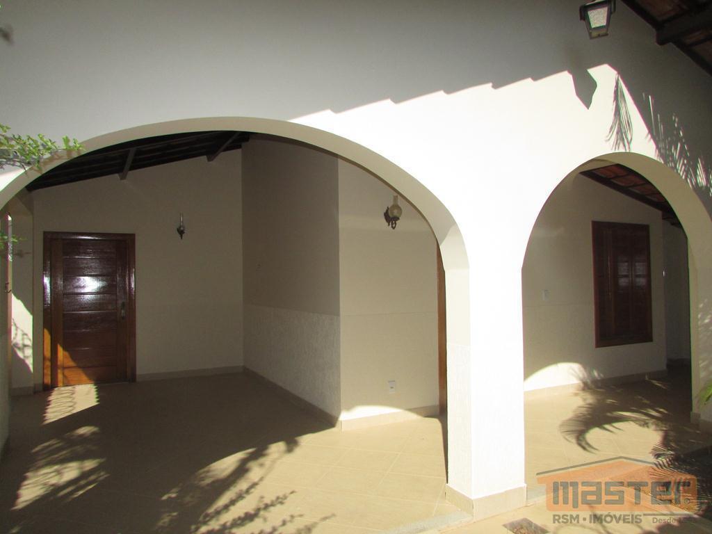 Casa residencial à venda, Funcionários, Montes Claros - CA0445.