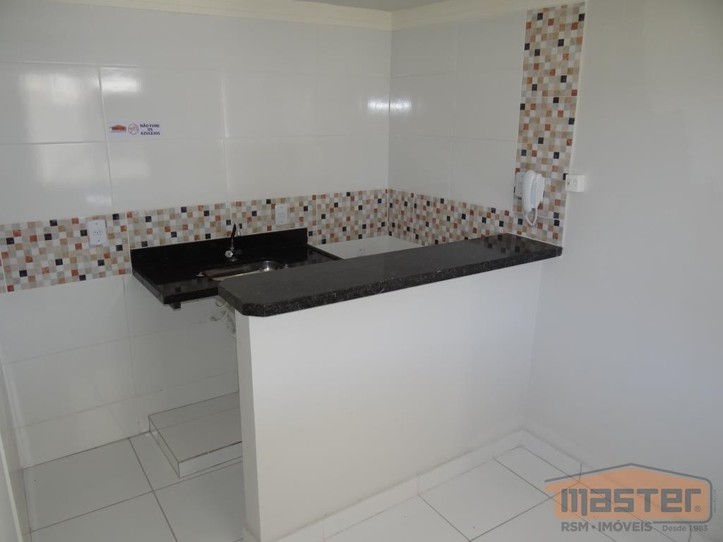 kitnet em localização central próximo à praça dr. carlos, com área de 24m² piso em cerâmica...