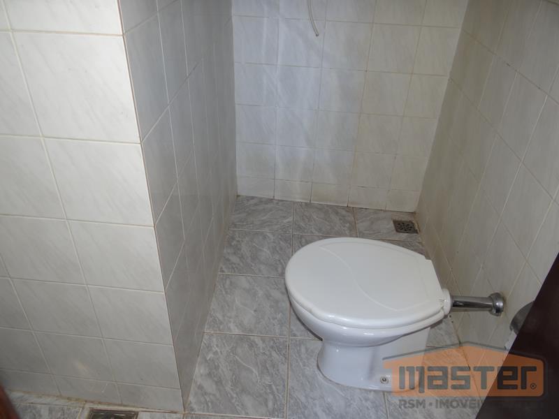 kitnet em excelente localização central com área de 25m² piso em cerâmica composta por sala de...