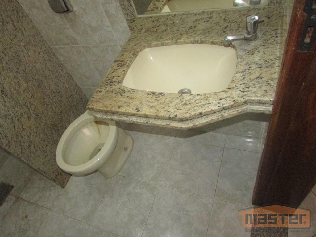 #aluguedeboa.kitinet com excelente localização no centro da cidade, com piso em cerâmica e teto em laje,...