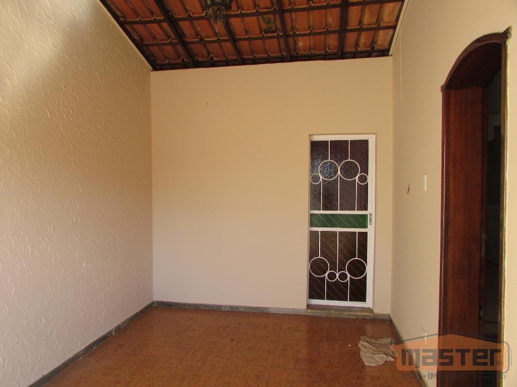 luxuosa casa residencial com excelente localização em bairro nobre da cidade, com área de 168 m²,...