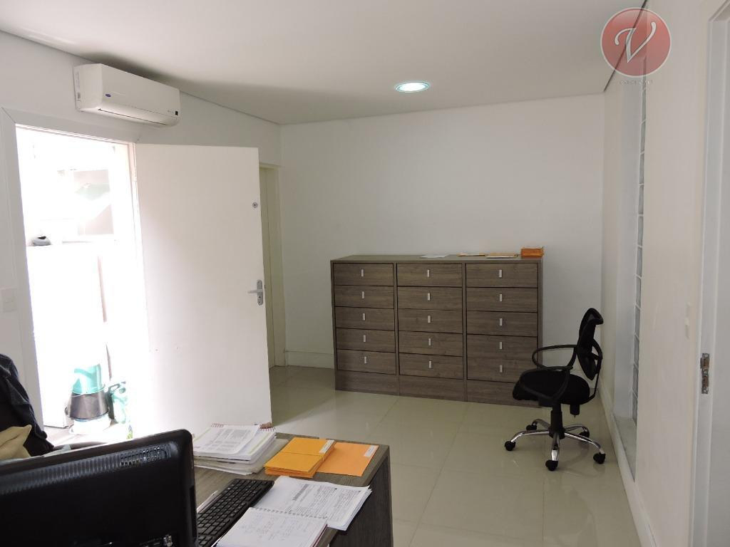 um sobrado para uso comercial em especial reformada para clínica de medicina ocupacional, contendo 210 m2...