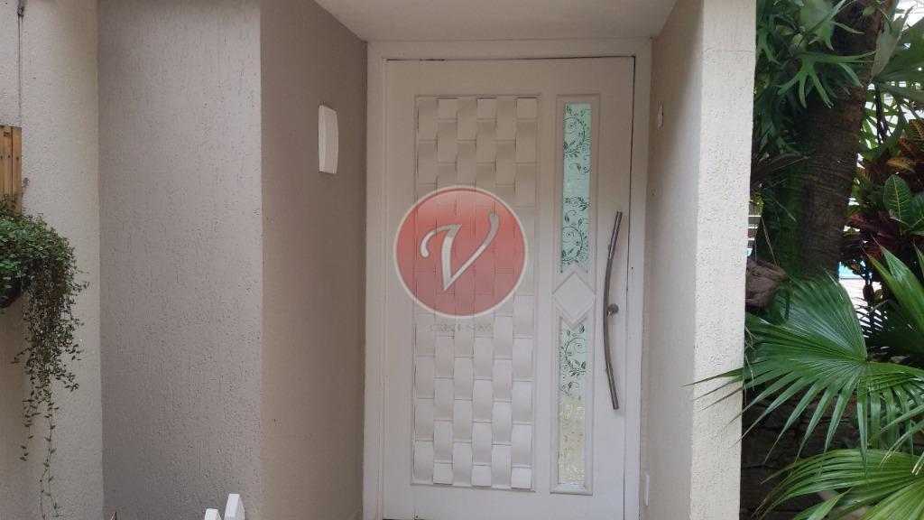 residência a 20 minutos da anchieta e rodoanel..o condomínio também é ponto de encontro para diversos...
