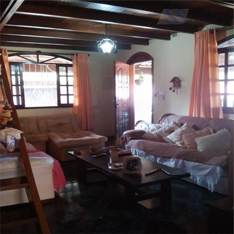 imóvel com 199m² de área e 840m² de área total, possui 05 dorm (03 suítes), sala,...