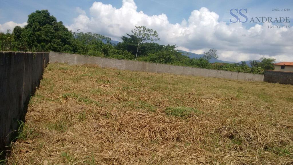 área murada, com 2.000m² de área total, com excelente localização e autorização do uso do solo...