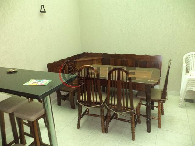 sobrado, alto padrão, 3 suítes com armários e sacada, cozinha planejada com armários cooktop, forno e...