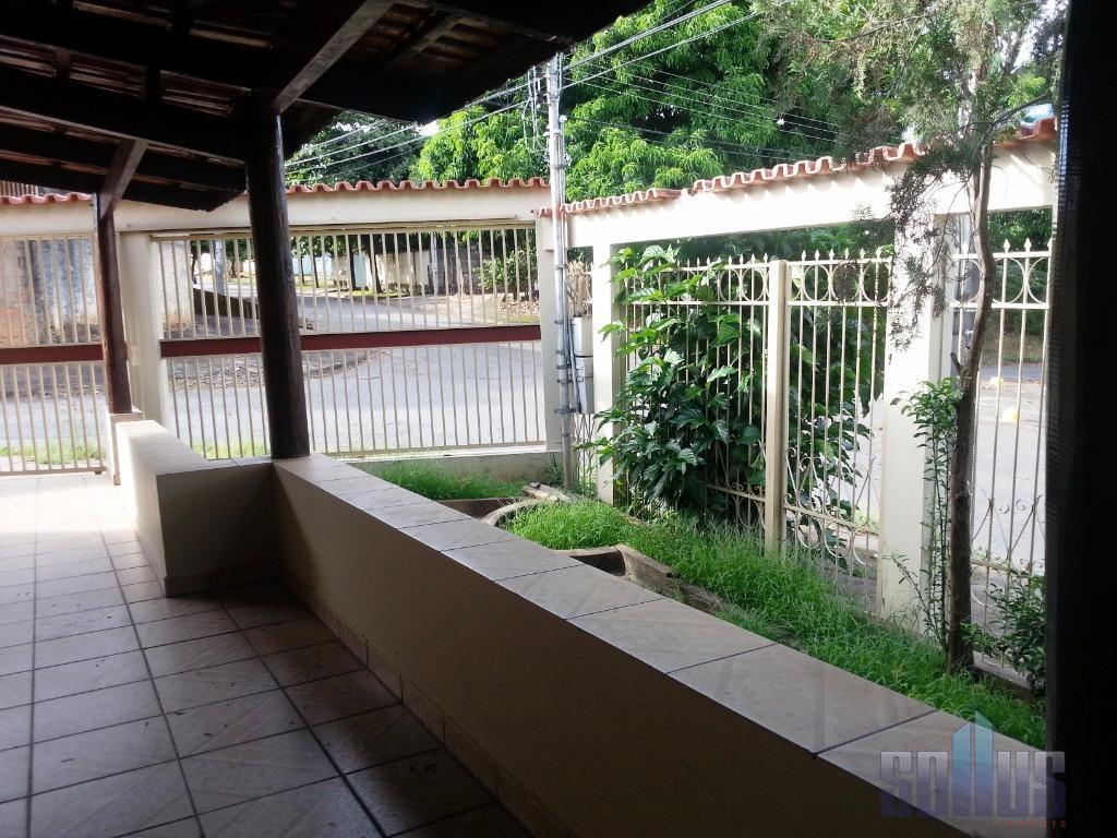 .casa com 3 quartos, sendo 1 suite, na laje, ampla varanda, jardim, garagem para ate 3...