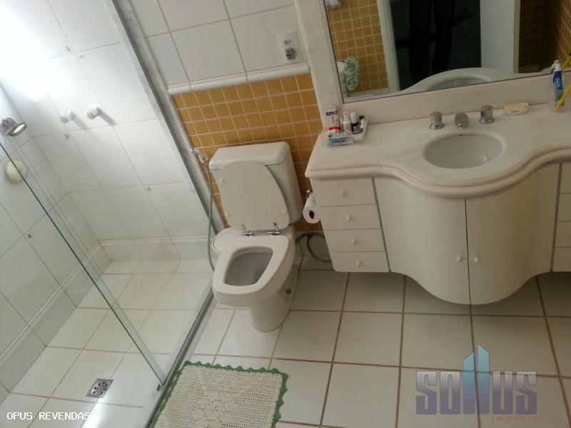 residencial kalipso 4 quartos sendo todos suítes com armários .sala para 4 ambientes.6 banheiros.varandascozinha espaçosa, toda...
