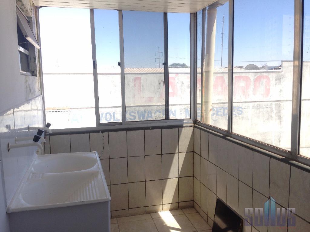 alugamos apto. de 2 e 3/4 armário na cozinha e banheiro, vista ampla, box, cerâmica nova,...