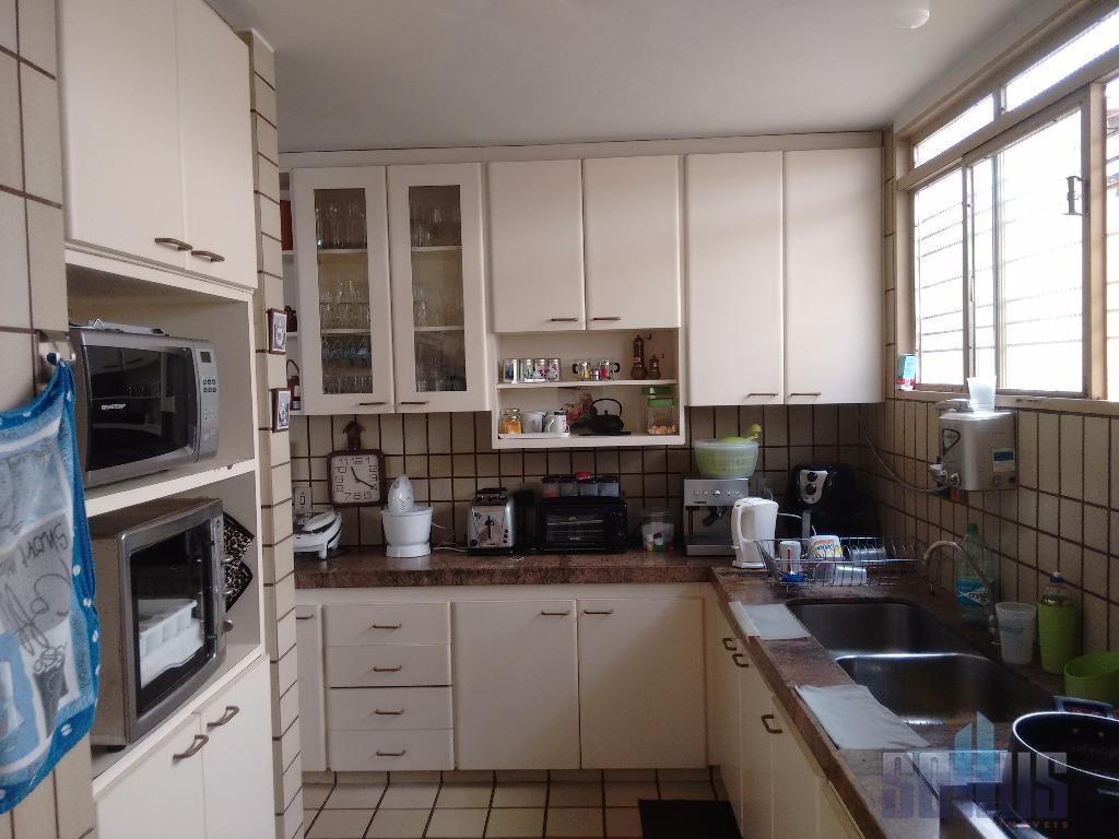 casa residencial/comercial com excelente localização no setor bueno próxima a av. t-7.atrás do cbco - centro...