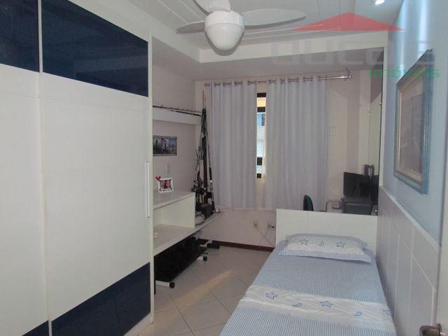 3 quartos com suíte, lazer completo, 2 vagas, 115 m2com vista para o mar.valor 680.000,00cond.650,00