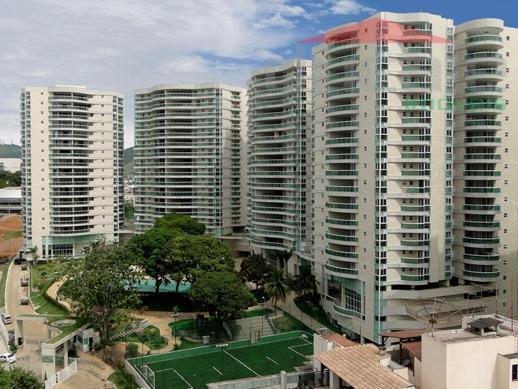 Condomínio Residencial Vila Alpina  Apartamento 4 quartos 4 suítes 3 vagas