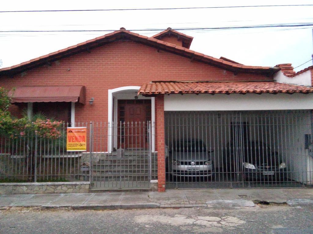 Casa residencial à venda, Centro, Barbacena.
