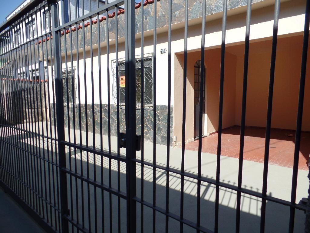 Casa residencial para locação, Passarinhos, Barbacena.