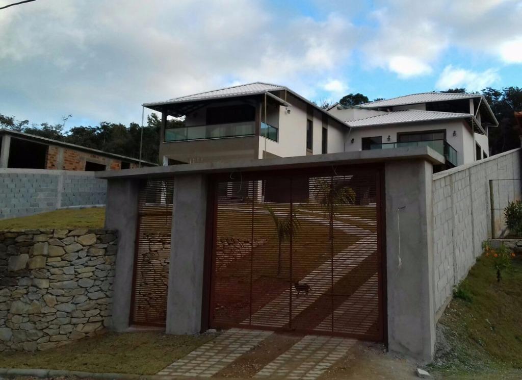 Casa residencial à venda, Colônia Rodrigo Silva, Barbacena.