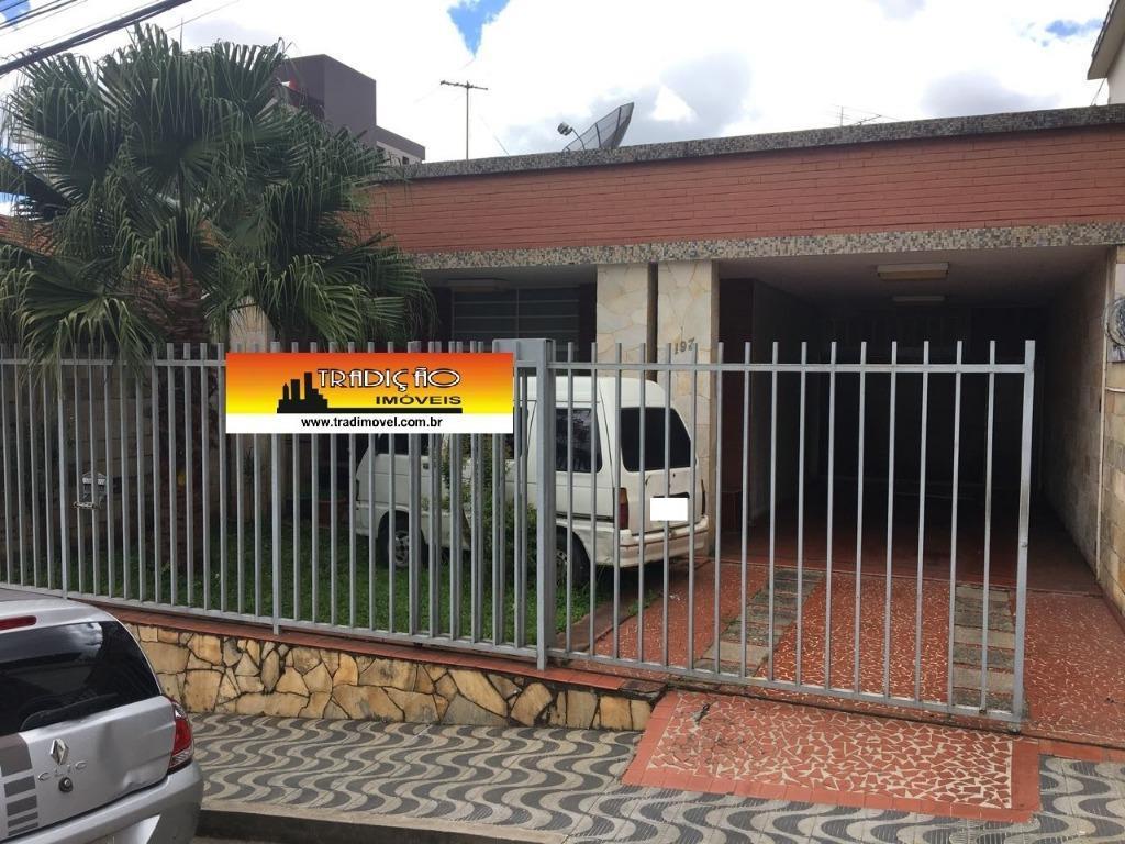 Casa residencial à venda, São José, Barbacena.