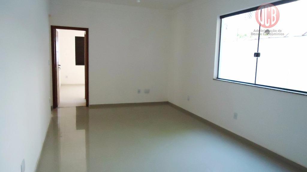 Casa Sobreposta Baixa à venda, 95 m², 3 dorm./2 suítes , Embaré, Santos.