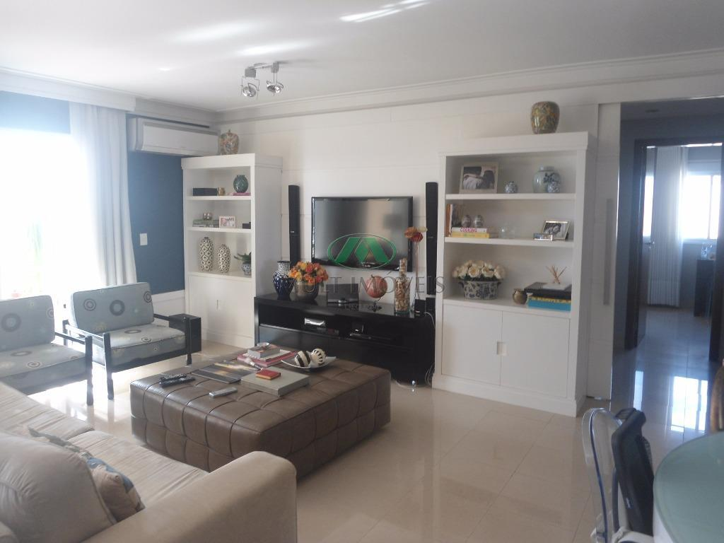 excelente apartamento, localização privilegiada, completo em armários, acabamento de primeira qualidade, aquecimento à gás imóvel em...