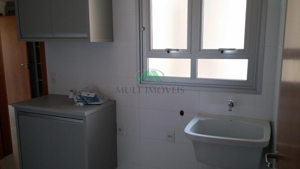 excelente apartamento, todo climatizado com ar condicionado, completo em armários, porcelanato, varanda gourmet espaçosa fechada com...