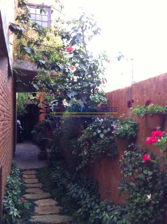 Sobrado de 4 dormitórios à venda em Vila Madalena, São Paulo - SP