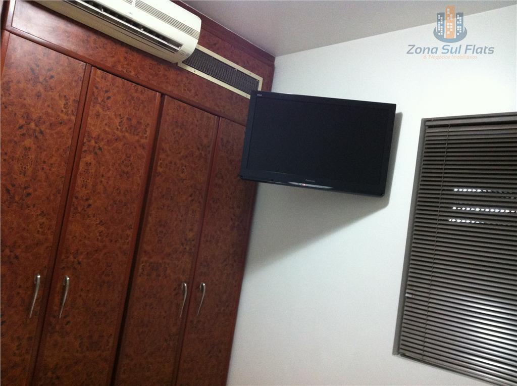 o flat possui janelas anti ruído, ar condicionado split, duas tvs lcd tela plana 32(na sala...